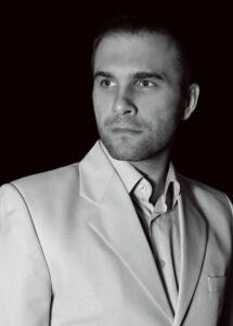 РУСЛАН СОТНИКОВ - Директор по образованию за рубежом и иммиграции